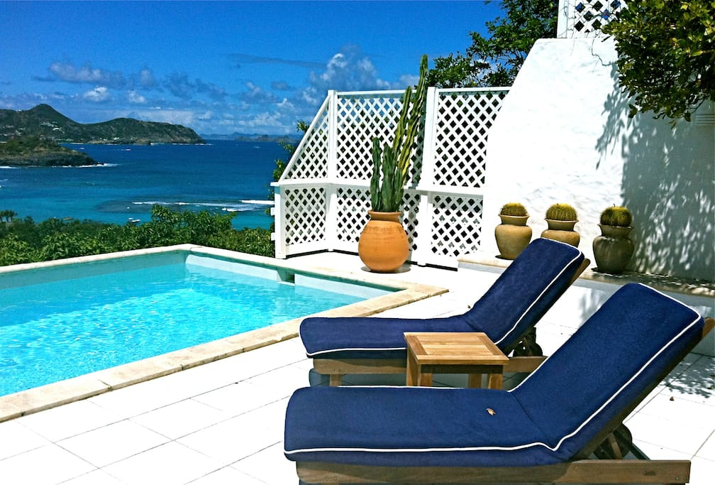 Pool terrace with islands view