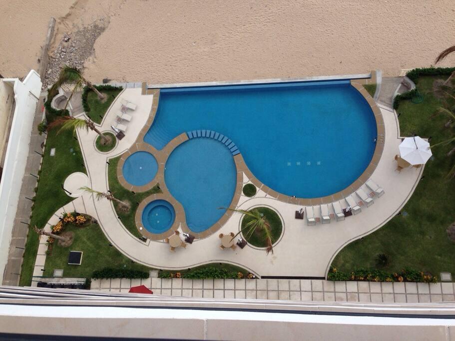 Vista de la alberca desde el balcon