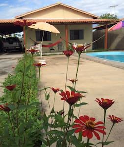 Casa confortável, piscina e varanda - Aruanã - House