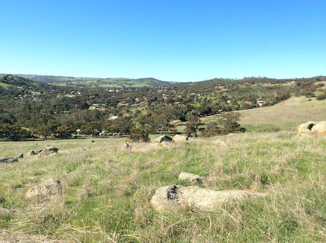 Flora valley 4 acres of garden - Toodyay