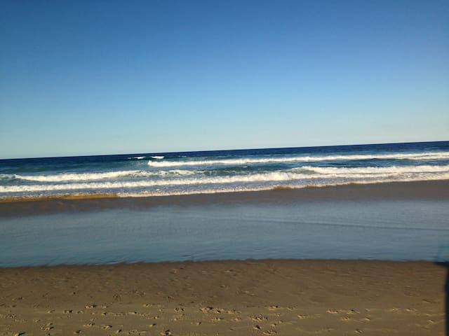 Marcoola Beach - listen to waves at night
