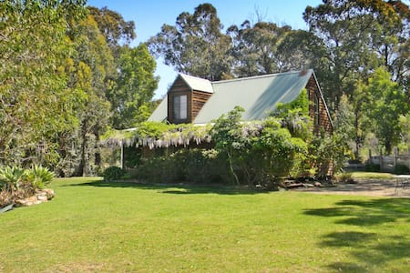 'HILLTOP '- Rustic country cottage - Merimbula - Dom