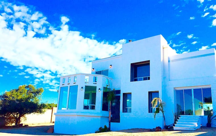 CASA EMILIO  en la Ruta del Vino - Ensenada - Casa