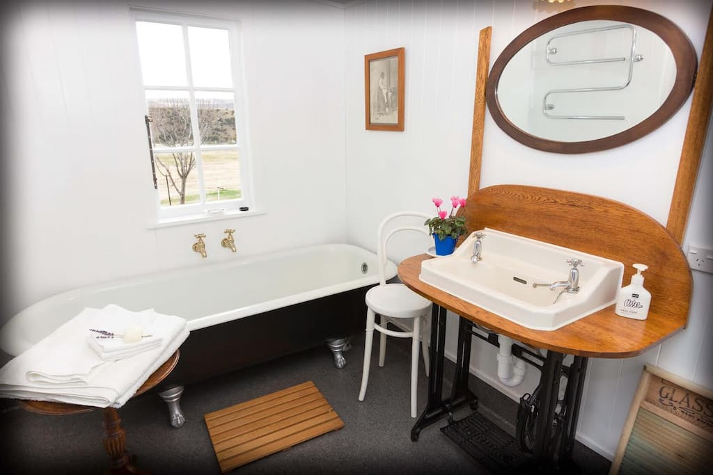 Coombes Cottage - ensuite with claw foot bath and wet area shower