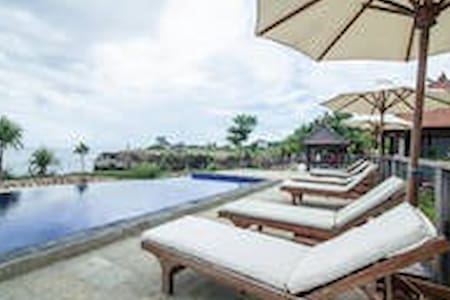 UNFORGETTABLE BACKPACKER AND EASY STAY ATLEMBONGAN - Nusapenida - Bed & Breakfast