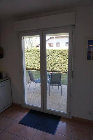 Single Room Ornex near Geneva Airp - Ornex - Apartment