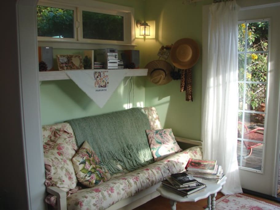 Garden Room with Double size futon.