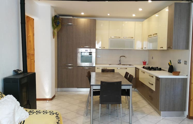 Appartamento con parcheggio privato - Plan D'introd - Lakás
