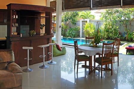 Strawberry Villa Sanur - South Denpasar - Casa de camp