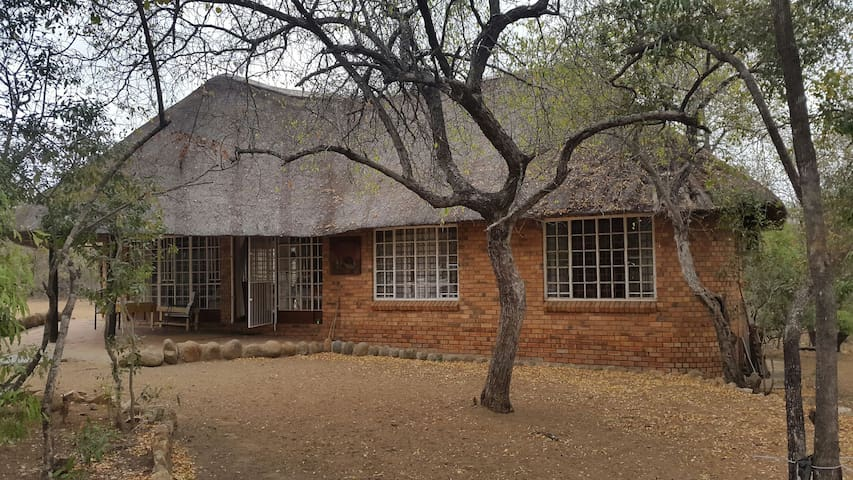 Bush house in Marloth Park - Marloth Park - Rumah