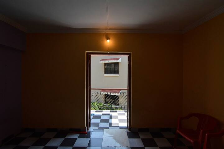 2 BHK unfurnished appartment - Lonavala - House