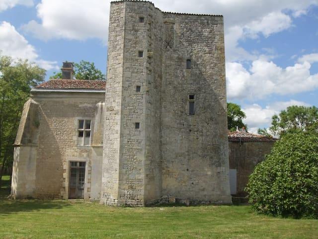 Chambre à  Champdolent - Champdolent - Castelo