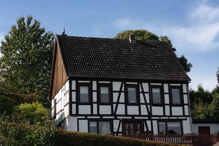 Landhaus am Himmelsberg - Willebadessen - Casa