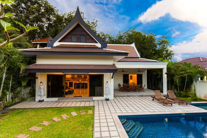 Authentic Private Elegant Villa with nice Pool