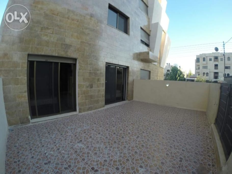 backyard terrace, suitable for BBQs, gathering and parties