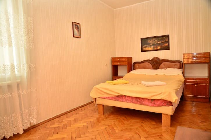 TWO BEDROOM RENTAL APARTMENT KIEV - Kiev - Hus