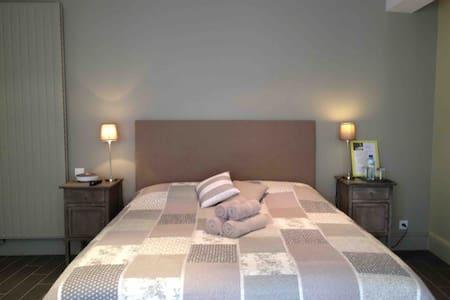 Rives dela Tronne-Chambre Orangerie - Mer