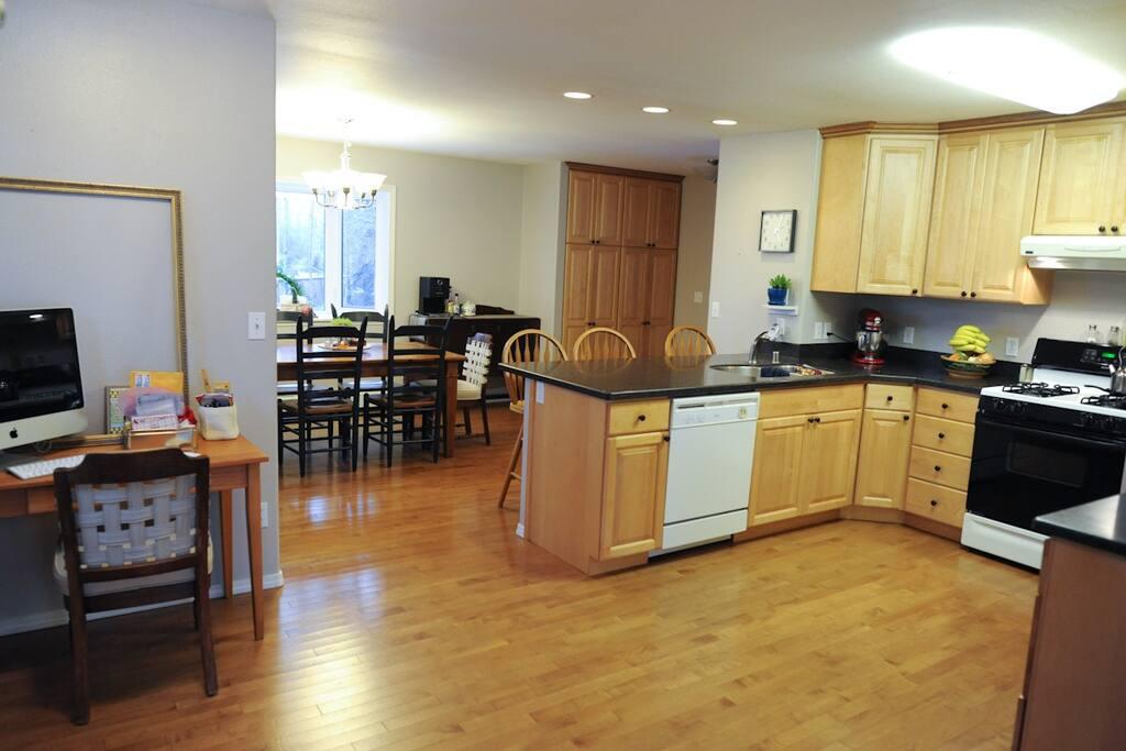 Midtown Anchorage Home: 4 Bedrooms