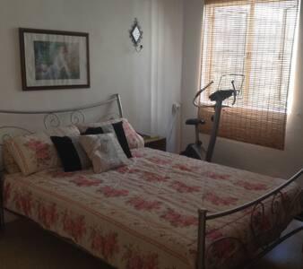 Spacious Apartment in Central Town - Naxxar