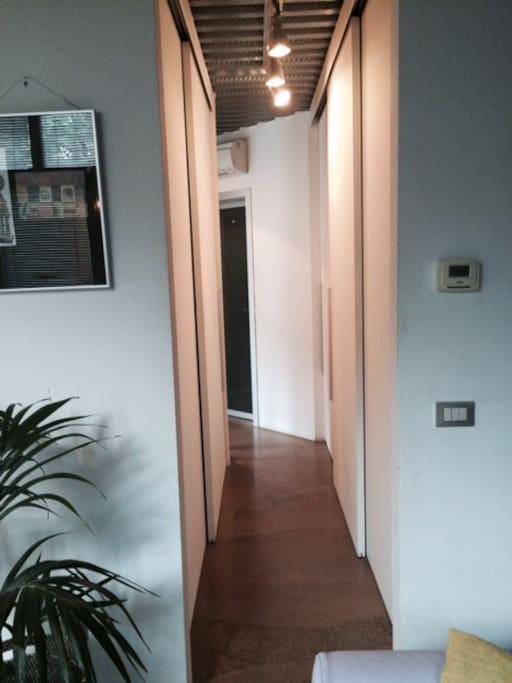 corridoio con cabina armadio