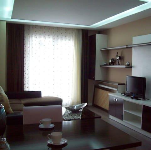 Beylikdüzü E5üstü günlük kiralik ev - Beylikdüzü - Apartamento