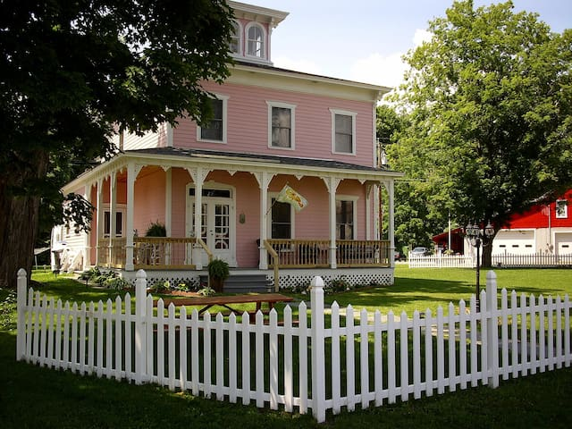 The Stella Rose Bed & Breakfast