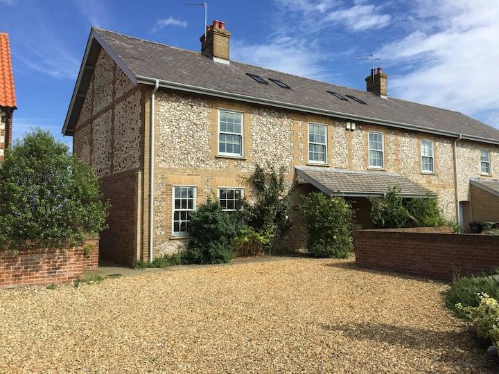 Lark Cottage Titchwell N Norfolk