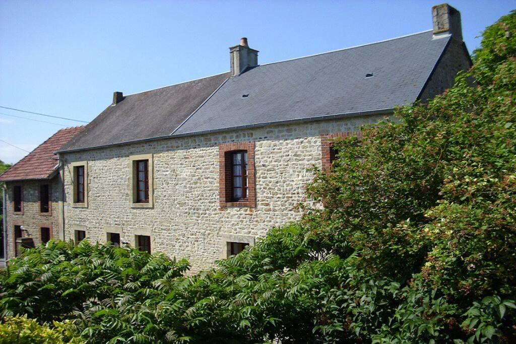 Appartement no 1 avec grand jardin appartements louer colleville sur mer basse normandie - Chambre d hote colleville sur mer ...