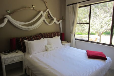 Blue Mountains Bush Eco-Retreat - Woodford - Talo