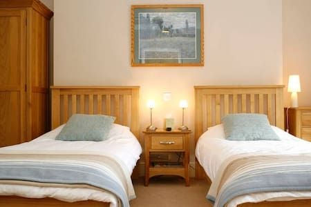 The Old Rectory B&B - Twin Room - Ruthin