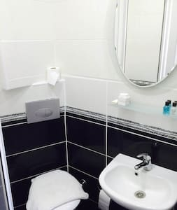COZY AND LARGE APARTMENT İN TAKSIM