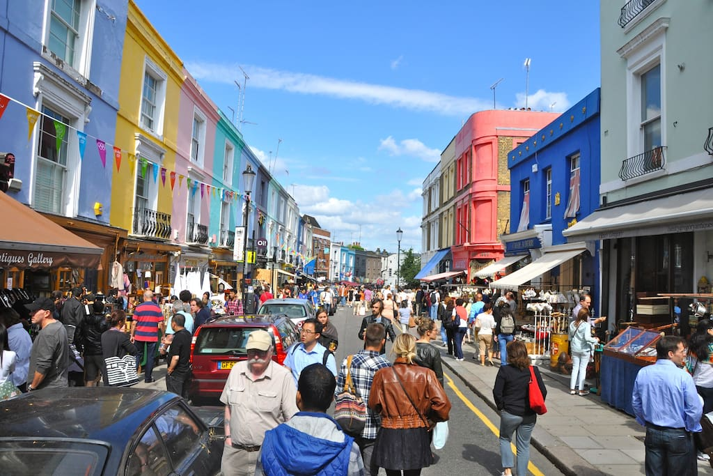 Portobello Road a 10 min walk