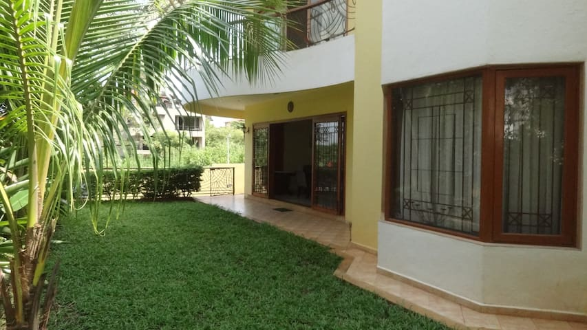Entire Ground Floor - 3 BHK - Dona Paula - Apartemen
