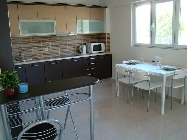 New, Cozy Apartment near the Sea1