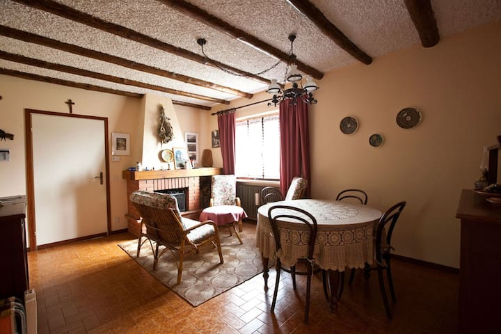 2 bedrooms flat, finely furnished - Valpiana
