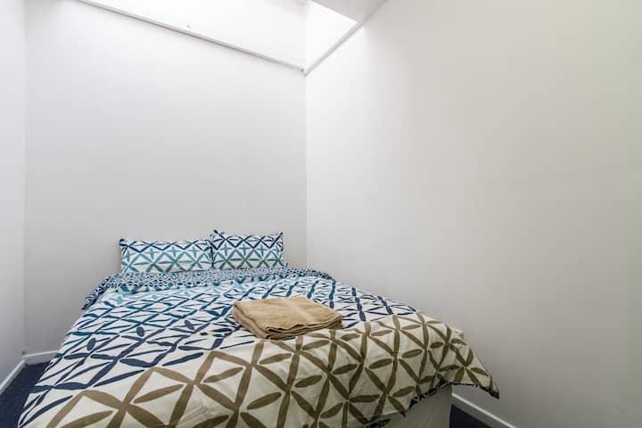 Central Melbourne Private Room 7