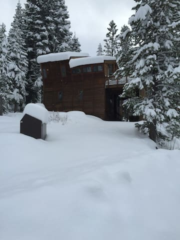 Alpine Meadows Retreat--North Tahoe - Olympic Valley - House