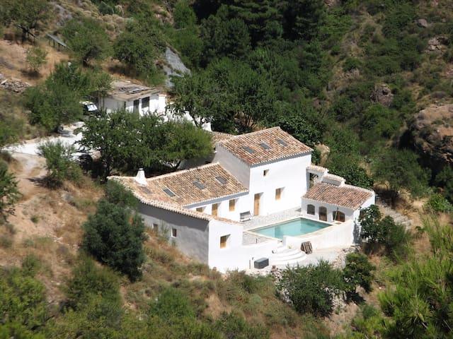 Cortijo de la Peña close to Granada - Lecrín - บ้าน