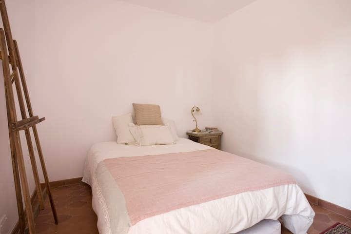 Cosy Rooms to rent in Costa Brava - Corçà - Hus