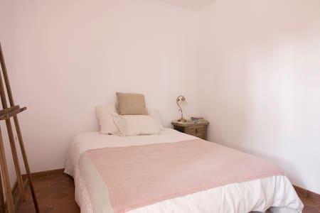 Cosy Rooms to rent in Costa Brava - Corçà - 단독주택