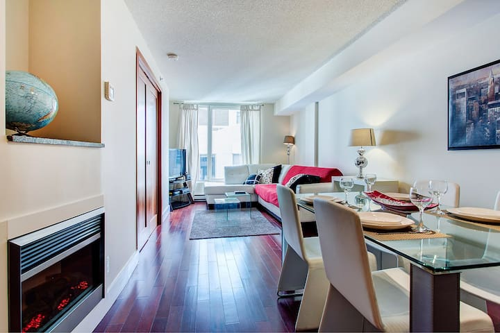 Stylish Cozy 1 BR In The Festival's Place