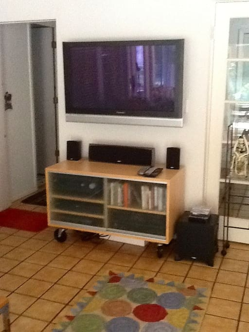 Flat screen TV and DVD,  ( Premium Stations.) in the lanai.