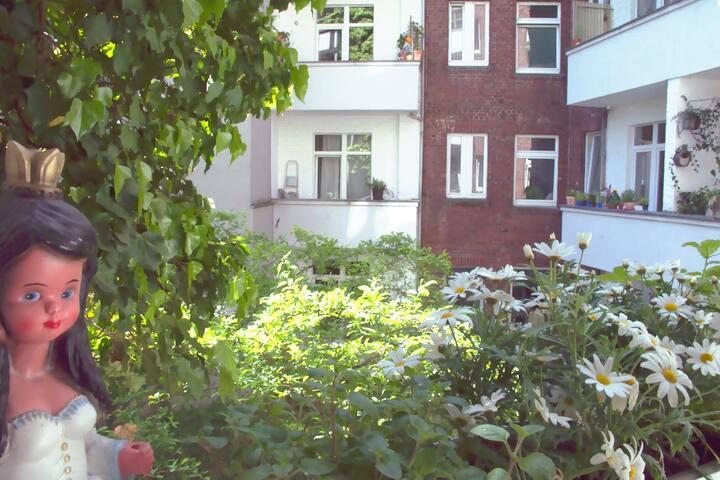 Bright room with balcony / Flingern - Düsseldorf - Byt