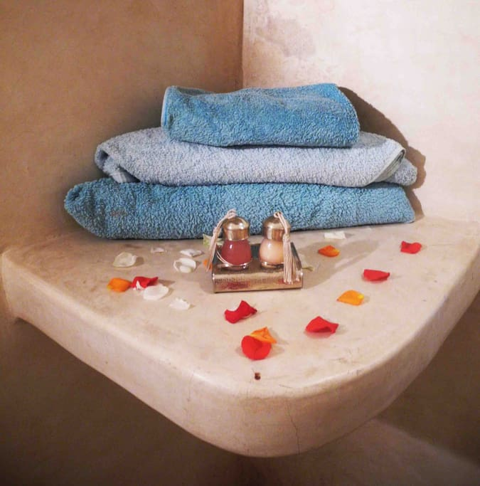 our spacious en suite bathrooms all come with complimentary toiletries and hairdryers