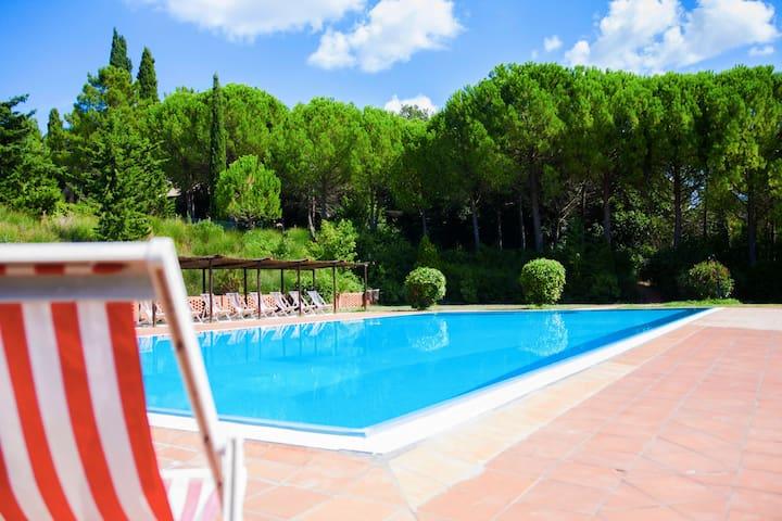 Acogedora casa de campo en Montespertoli con piscina