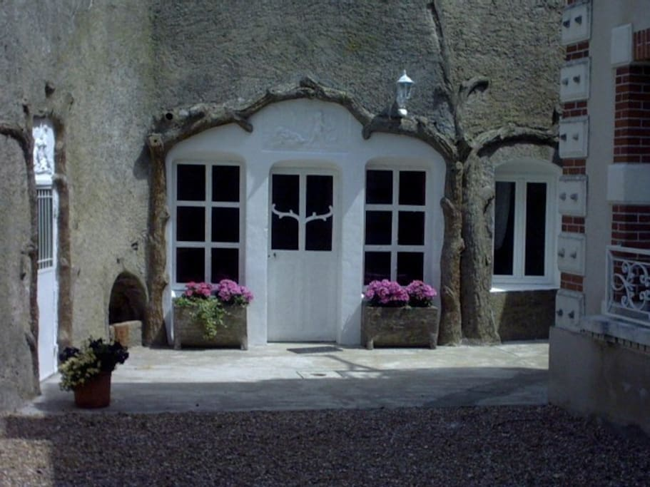 maison troglodyte caves for rent in pays de la loire pays de la loire france. Black Bedroom Furniture Sets. Home Design Ideas