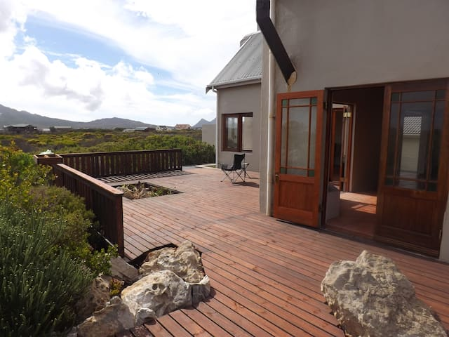 Peace and  relaxation in the Fynbos - Betty's Bay - Casa