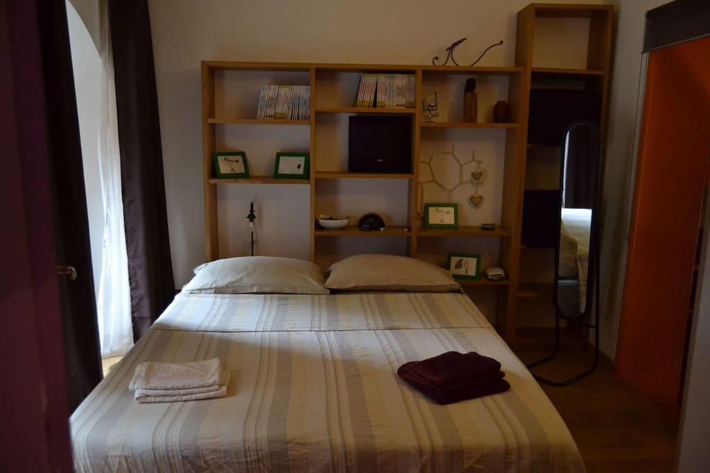 Camera da letto , letto matrimoniale