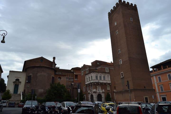Roma Colosseo Rione Monti - Roma - Condominio