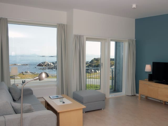 Apartment with ocean view at Runde - Runde - Apartemen